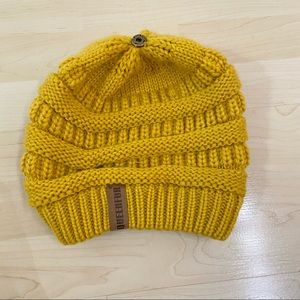 Queenfur Mustard Yellow Beanie Hat Chunky Knit Cableknit Winter
